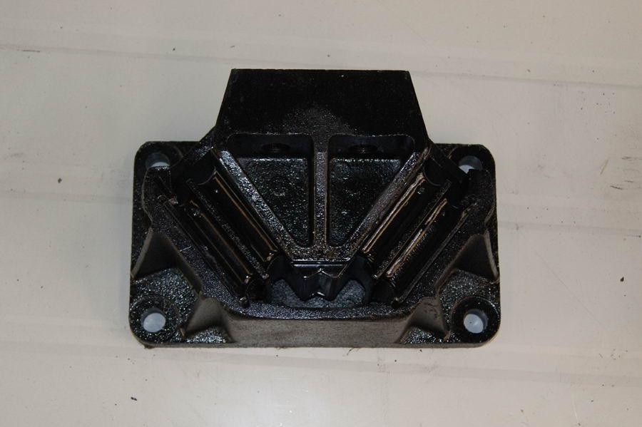 欧曼发动机悬置H4101020003A0